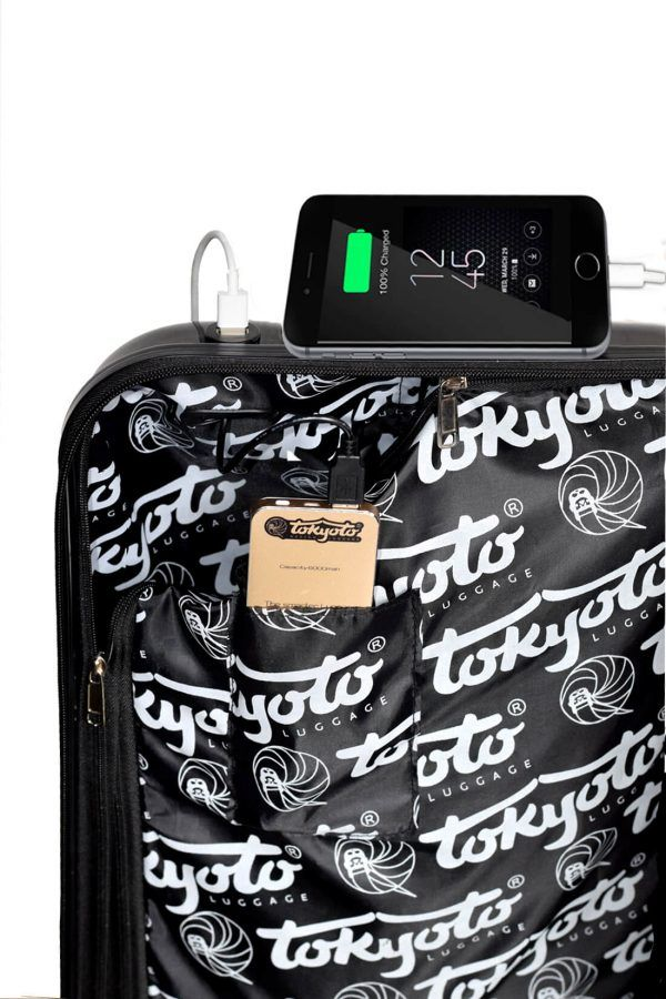 Intérieur de la valise avec chargeur